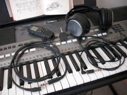 Pomôcky - audio kábel, diktafón, rozdvojka, slúchadlá
