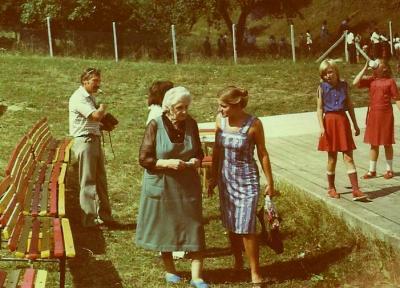 Pani Baškirovová na návšteve v našej dedine